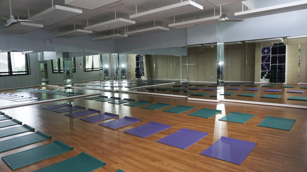 Yoga+Express Venice Grand Canal Mall McKinley Hill yoga studio